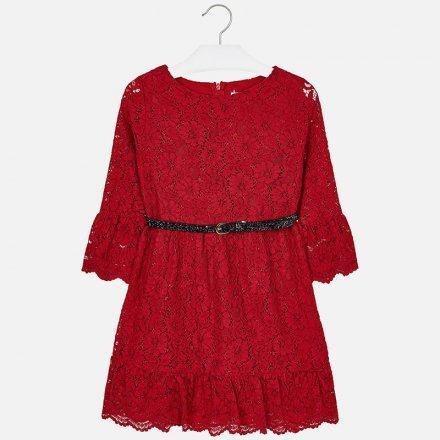 Dievčenské čipkované šaty s opaskom
