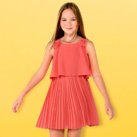 Elegantné letné šaty s plysovanou sukňou